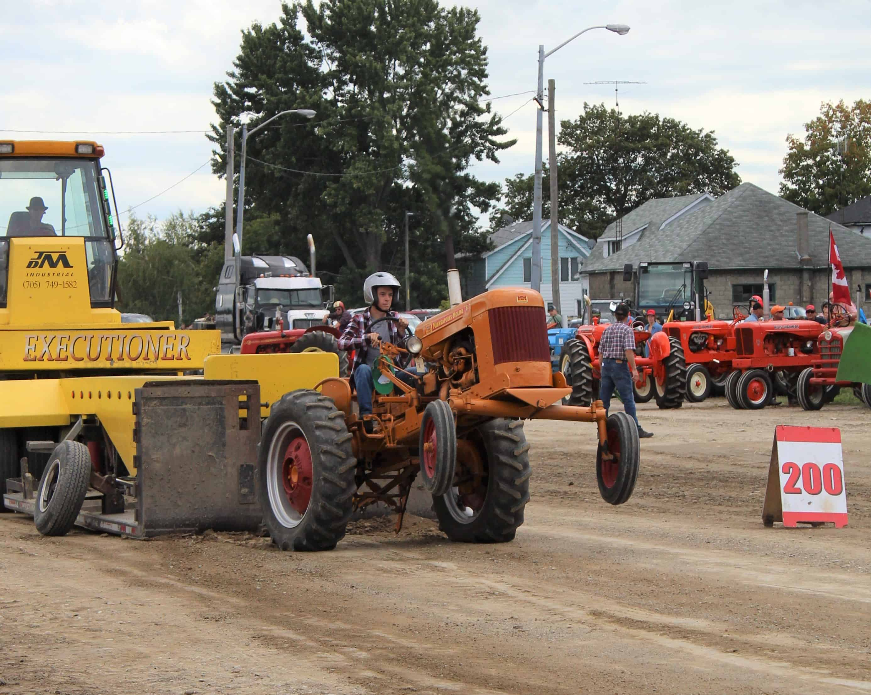 Heritage tractor pull 1