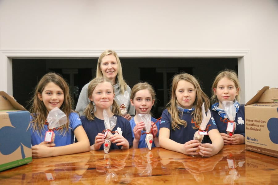 Newcastle Girl Guides make treats for Christmas hampers