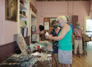 Read more about the article Kendal United Church hosts yard sale